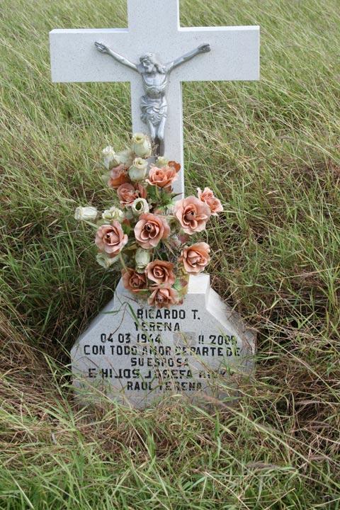 Roadside Memorials Amp Descansos Of South Texas